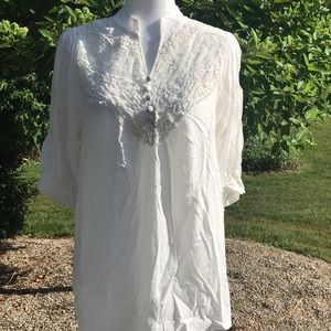 Tops - White lace three-quarter sleeve blouse